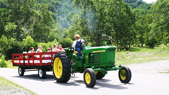 Farm tractor ride at Graves Mountain Music Festival